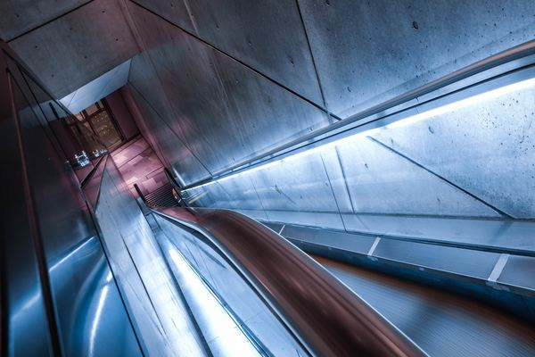 Escalator In Building With Lights Nohat